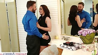 Sexually charged bitch Gracie Glam sucks and fucks like theres no tomorrow